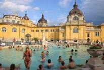 Les bains Széchenyi de Budapest – un des plus grands complexes thermaux d'Europe