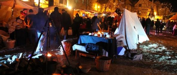 Marché Médiéval de Noël à Provins – Rois Mages et troubadours animent banquet et bal d'époque