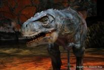 La Marche des Dinosaures fait revivre les géants du passé à Bercy
