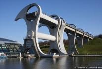 Falkirk Wheel – Un ascenseur à bateaux rotatif écossais unique au monde