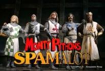 Spamalot, la comédie musicale des Monty Pythons à Paris au Théâtre Comédia