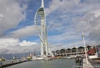 Spinnaker Tower – une voile de métal de 170 mètres à Portsmouth