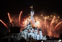 Disneyland Paris célèbre le 14 Juillet en feux d'artifices tricolore