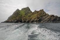 Skellig Michael – les ruines d'un monastère isolé au sommet de l'île aux macareux