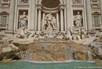 La Fontaine de Trevi, une mostra baroque monumentale au cœur de Rome