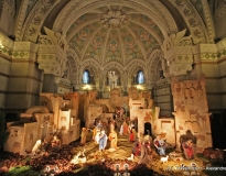 De la Bavière à la Provence : des santons à la basilique de Fourvière pour sa crèche de Noël géante