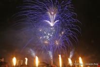 Le maire de Cergy-Pontoise présente ses Vœux 2011 en «explosant» la Planète Bleue